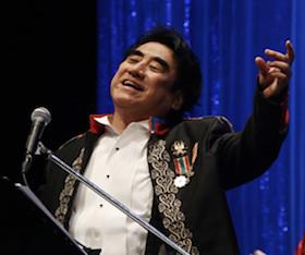 神田川の封印を解いて熱唱する深見東州先生