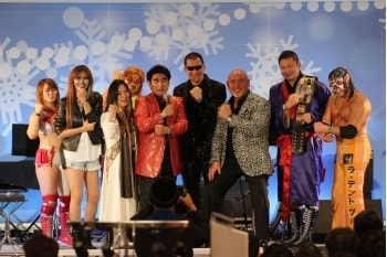 「クリスマス絵画コンサート・ダンス爆発・ジュエリー・時計展示会!!」初日の様子