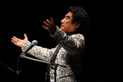 深見東州「新春ジャズの一人祭典」、軽妙洒脱でジャズな世界を満喫