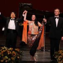 東京国際コンサートの新聞記事から、アンジェラ・ゲオルギューのディーバの魅力を