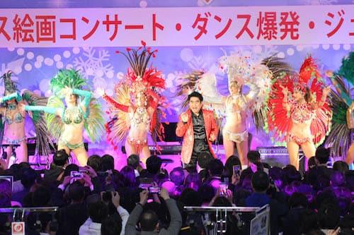 「クリスマス絵画コンサート・ダンス爆発・ジュエリー・時計展示会!!」3日目、ジャッキー・チェンでクライマックスに